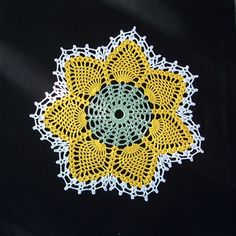 Easy crochet doily for beginners the pattern is very easy and the pattern is for centerpiece 4 dinner place doilies 4 bread n butter crochet doily patternscrochet dt1010fo