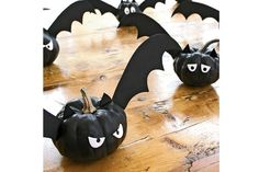 Decorate your house with black bats with this mini pumpkin craft