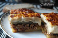 Το κορυφαίο φαγητό της Ελληνικής παραδοσιακής κουζίνας. Το σήμα κατατεθέν της Ελληνικής γαστρονομίας στο εξωτερικό. Δεν υπάρχει επισκέπτης στην χώρα μας που να μην γνωρίζει τον μουσακά, δεν υπάρχει τουρίστας που δεν έρχεται προετοιμασμένος να γευτεί αυτό το αριστουργηματικό πιάτο. Η επιτυχία του έγκειται στον κορυφαίο συνδυασμό των υλικών του που προσφέρει απόλυτη γευστική ισορροπία. …