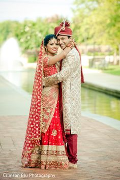 Indian Wedding Poses, Outdoor Indian Wedding, Indian Wedding Ceremony, Couple Wedding Dress, Wedding Couple Photos, Wedding Couples, Indian Wedding Couple Photography, India Wedding, Indian Outfits