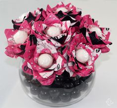 candy bouquets from http://www.thesweetestaffair.com/services/