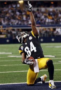 Pittsburgh Steelers Antonio Brown celebrates his touchdown against the Dallas Cowboys. ~(AP Photo/LM Otero)