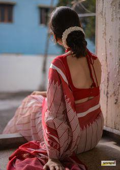 Handloom Pure Cotton with Kantha Jamdani Weave Sari Blouse, Saree Blouse Designs, Sari Dress, Sari Silk, Cotton Saree, Silk Sarees, Indian Photoshoot, Saree Photoshoot, Girl Photo Poses