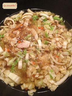 Ça croustille !: SOUPE CROQUANTE AU CHOU CHINOIS ET VERMICELLES Japchae, Risotto, Buffet, Meat, Chicken, Vegetables, Ethnic Recipes, Food, Celine