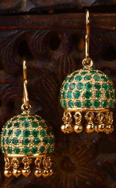 YES PLEASEEEEEE Emerald simplicity jhumki a Simple emerald jhumkis handcrafted in yellow gold. Gold Jewellery Design, Jewelery, Silver Jewelry, Silver Ring, Resin Jewellery, Ear Jewelry, Crystal Jewelry, Jewelry Box, Jewelry Making