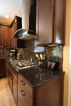 S Deborah Kracus Designed Kitchen In Vandalia Ohio Mid Continent Cabinetry Granite Wolf Stove
