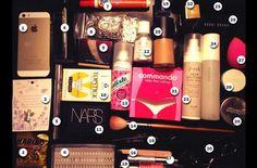 Qué lleva #EmmaWatson en su bolsa? #AGDLM #fashion #moda