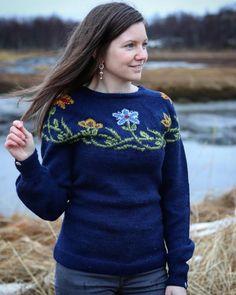 Nordnorsk festgenser for voksne Dress Tutorials, Anne Of Green Gables, Best Sellers, Ravelry, Christmas Sweaters, Pullover, Wool, Knitting, Sweatshirts