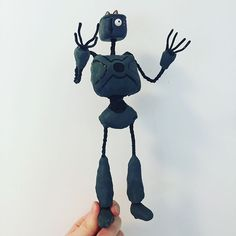 A few more shots of my robot character with the head of a toaster! Plus toast! Really proud of this stopmotion model, want to see a model of anything comment down bellow ---------------------------------------------------- #stopmotion #stopmotionanimation