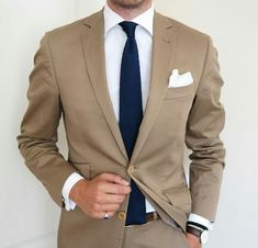 2017 Custom Made Khaki Champagne Groom Tuxedos 2 Piece Mens Wedding Prom Dinner Suits Best Man Groomsman Suit Jacket+Pants Terno Mens Fashion Suits, Mens Suits, Tan Suit Men, Tan Suit Groom, Tan Groomsmen Suits, Tan Tux, Costume Marron, Terno Slim, Best Suits For Men