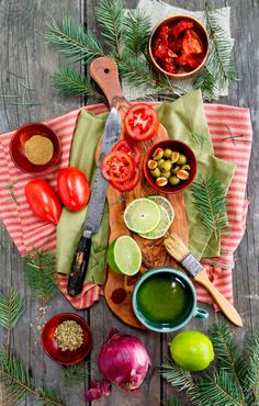 Rikki Snyder Photography...this looks so yummy and would love to enjoy this picnic with a glass of wine.