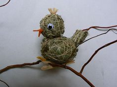 Diy Recycle, Recycling, Xmas, Christmas Ornaments, Diy Flowers, Bird Houses, Creatures, Easter, Birds