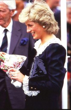 This looks like it was taken in about 1986 judging by Diana's hair style but that outfit is much earlier possibly 1982. She somehow looks odd in it - like she's outgrown it! It's too fussy and 'fairy tale princess' for the sophisticated, self assured woman she was by 1986.