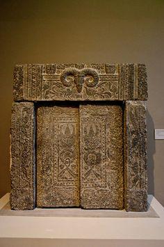 Han Dynasty tomb gate