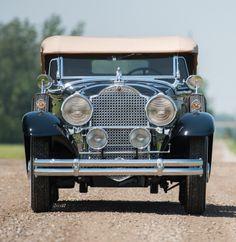 1930 Packard Deluxe Eight Sport Phaeton