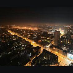 #Milan#milano#city#cityview#lights#ig_milan#ig_italy#ilovemilan#cityscape#night#nightlife#nightlights#visiting#besttravels#visitmilan#milanodavedere#streets#urban#urbanphoto#urbanphotography#tourism#italy#palazzodellaregione#sky#milanbynight by rentix_milano