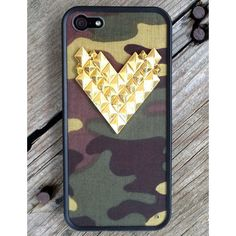 Camo Gold Studded Heart iPhone 5/5s Case ($35) ❤ liked on Polyvore featuring accessories, tech accessories, phone cases, coque, iphone and phone