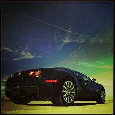 Super cool shot of a Bugatti Veyron