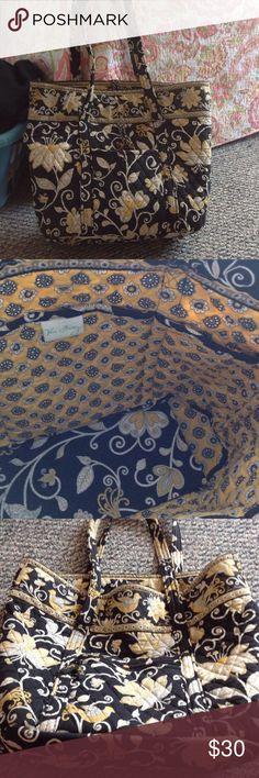 Vera Bradley weekender tote Vera Bradley weekender tote. Black yellow and white. Good condition! Vera Bradley Bags Totes