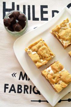 prajitura cu ciocolata si marshmallows Marshmallows, Fondue, Biscuit, Waffles, Cooking, Breakfast, Recipes, Marshmallow, Kitchen