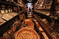 Artisan food tradition in Barcelona. By Sam Zucker. Barcelona Metropolitan Magazine. Casa Gispert. Nut roaster.