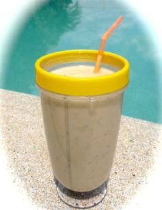 This is a sensational breakfast smoothie. The taste, well divine, the reason for having it, it is really good for you and gives you plenty of go! Click through to get the recipe. Diabetic Smoothies, Diabetic Breakfast Recipes, Diabetic Snacks, Yummy Smoothies, Smoothie Drinks, Diabetic Recipes, Raw Food Recipes, Smoothie Recipes, Power Smoothie