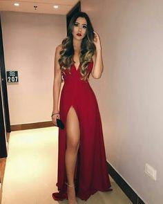 Elegant long dresses that are fashionable #fashionoutfits #fashion #dressesforwomen #dressescasual