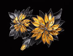 Dahlias Brooch/Pendant by the Amazing Judith Kinghorn
