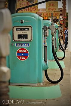 Love this visual (and the name of the petrol). Old Gas Pumps, Vintage Gas Pumps, American Gas, Pompe A Essence, Old Gas Stations, Filling Station, Old Signs, Us Cars, Oil And Gas