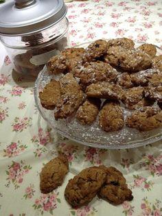 Ricetta biscotti Müesli al cioccolato. http://blog.shopty.com/it/ricette/una-colazione-ricca-ed-equlibrata-con-i-biscotti-al-muesli.php
