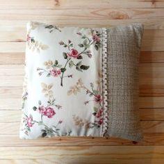 Poduszka łączona koronka+róże