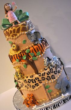 safari cake, butter cream with fondant animal print layer Gorgeous Cakes, Pretty Cakes, Amazing Cakes, Take The Cake, Love Cake, Cupcakes, Cupcake Cakes, Zoo Da Zu, Safari Cakes