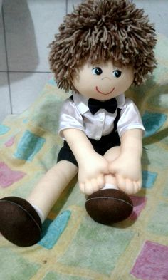 Bonequinho Lucas feito por mim. Para meu netinho!😍❤ Cat Fabric, Fabric Art, Doll Games, Real Doll, Felt Animals, Sewing Pillows, Art Dolls, Doll Clothes, Crochet Patterns