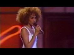 Whitney Houston-How Will I Know(Live on MTV 1986) - YouTube