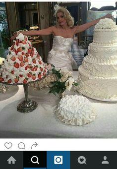 Foco no bolo lindooo, olha os detalhes. Novela Eta Mundo Bom da Globo ( destruido na novela alias #umapena )