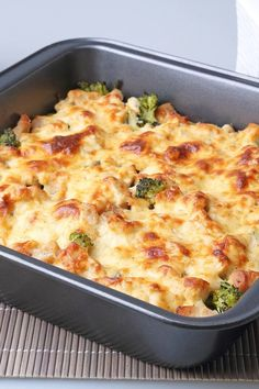 Recipe including course(s): Entrée; and ingredients: black pepper, broccoli, chicken broth, garlic, Italian bread, olive oil, onion, red pepper flakes, salt, sharp cheddar cheese, turkey sausage