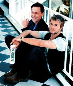 Tom Hiddleston and Chris Hemsworth aka Loki and Thor Tom Hiddleston, Thomas William Hiddleston, Luke Hemsworth, The Avengers, Loki Marvel, Loki Thor, Benedict Cumberbatch, Hot Men, Hot Guys
