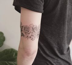 arm band of roses, thx sarah  #floraltattoos #rosetattoos