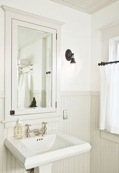 Chic small bathroom