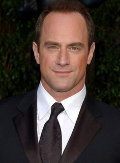 Chris Meloni (hey, hey Detective Stabler!)