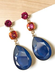 bc36e165608c Pendientes triples de cristal Swarovski en tonos azul