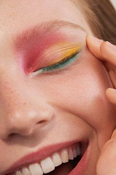 Schönheit - Benjamin Madgwick - Sarah Laird & Good Company - Make-up Inspiration . - - Schönheit – Benjamin Madgwick – Sarah Laird & Good Company – Make-up Inspiration … - Cute Makeup, Pretty Makeup, Awesome Makeup, Cheap Makeup, Perfect Makeup, Simple Makeup, Skin Makeup, Eyeshadow Makeup, Pink Eyeshadow