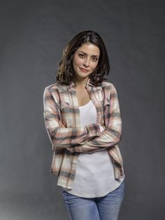 """Find out more about the cast of the Hallmark Channel original movie """"Love in Paradise,"""" starring Luke Perry and Emmanuelle Vaugier. Emmanuelle Vaugier, Emmanuelle Chriqui, New Family Movies, New Movies, Vancouver, Ksenia Solo, Zodiac Love Compatibility, Human Target, Anna Silk"""