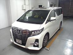 Find the best Japanese cars that can match your driving needs by working with car exporters. These experts can also help you find parts for your vehicle. Toyota Hiace, Used Toyota, Van For Sale, Japanese Cars, Vans, Vehicles, Van, Car