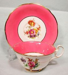BEAUTIFUL VINTAGE FOLEY PINK FLORAL TEACUP & SAUCER BONE CHINA