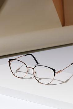 Glasses For Oval Faces, Glasses Frames Trendy, Fake Glasses, Girls With Glasses, Glasses Trends, Eyewear Shop, Fashion Eye Glasses, Glasses Online, Mode Outfits