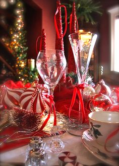 candy cane christmas tablescape