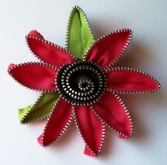 Zipper Flower Pin - by Zip Pinning