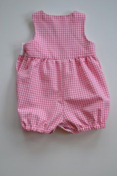 Baby romper in pink or blue gingham, teddy bear applique new baby gift, snap closure, summer romper, sizes newborn to 12 months. Bebe 1 An, Vichy Rose, Blue Teddy Bear, Baby Clothes Patterns, Pink Gingham, Summer Romper, New Baby Gifts, Baby Dress, Boy Outfits