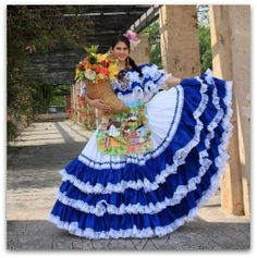 Traditional dress from Honduras Traditional Mexican Dress, Traditional Dresses, Quince Dresses, 15 Dresses, Mexico People, Color Splash, Mexico Fashion, Costumes Around The World, Mexican Party